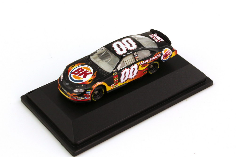 Foto 1:87 Toyota Camry NASCAR 2007 Michal Waltrip Racing, Burger King Nr.00, David Reutimann Winners Circle 64519