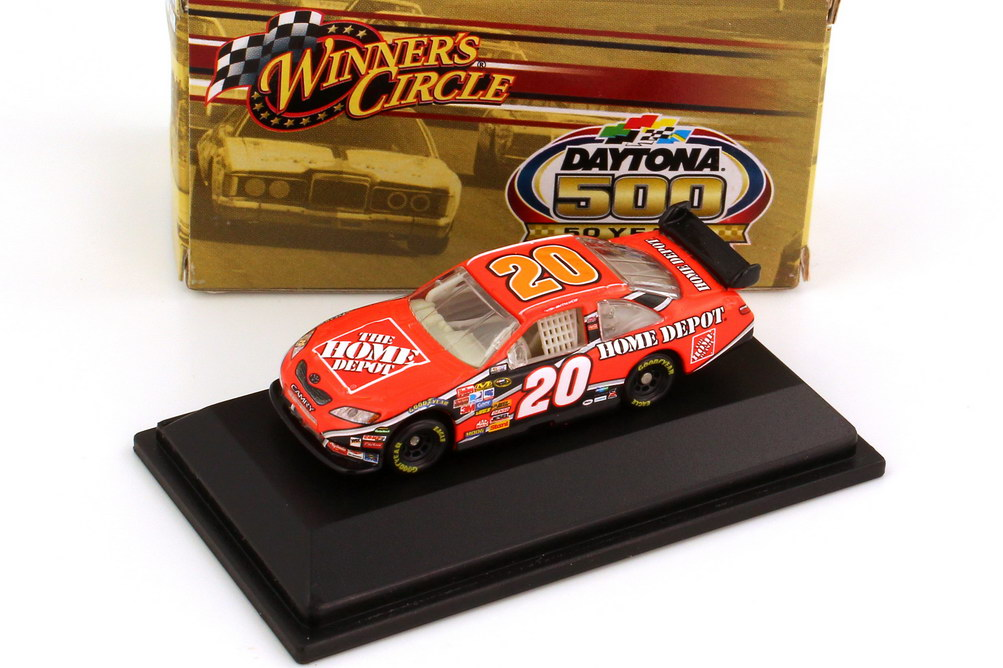 Foto 1:87 Toyota Camry NASCAR 2008 Joe Gibbs Racing, Home Depot Nr.20, Tony Stewart (Daytona 500 Edition) Winners Circle 70467