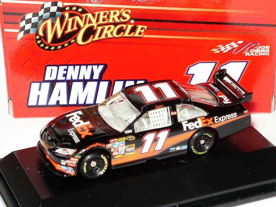Foto 1:87 Toyota Camry NASCAR 2008 Joe Gibbs Racing, FedEx Nr.11, Denny Hamlin Winners Circle 70531