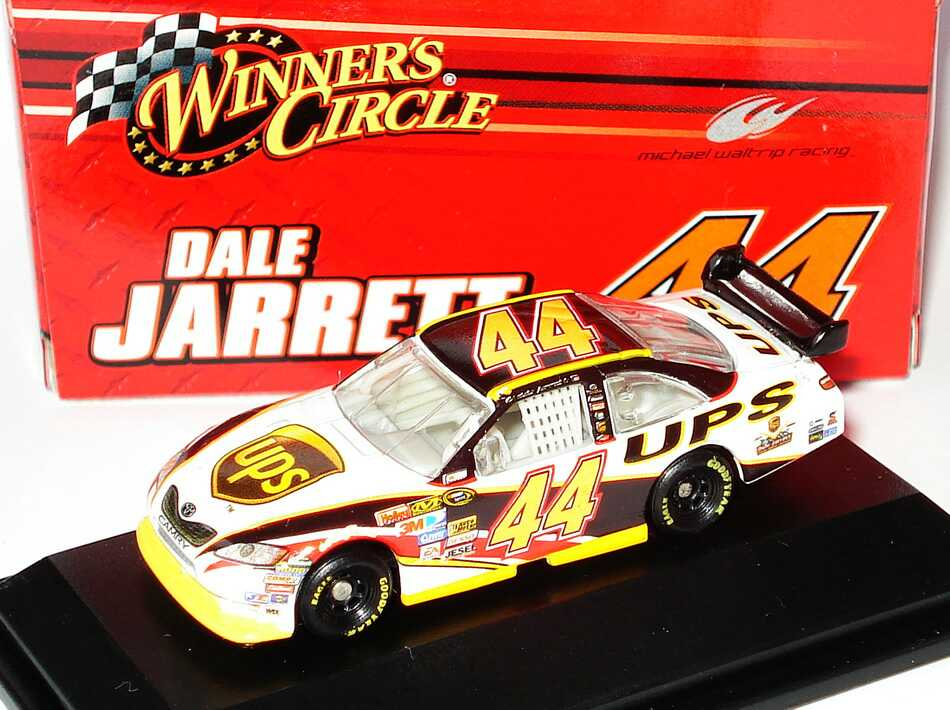 Foto 1:87 Toyota Camry NASCAR 2008 Michael Waltrip Racing, UPS Nr.44, Dale Jarrett Winners Circle 89914