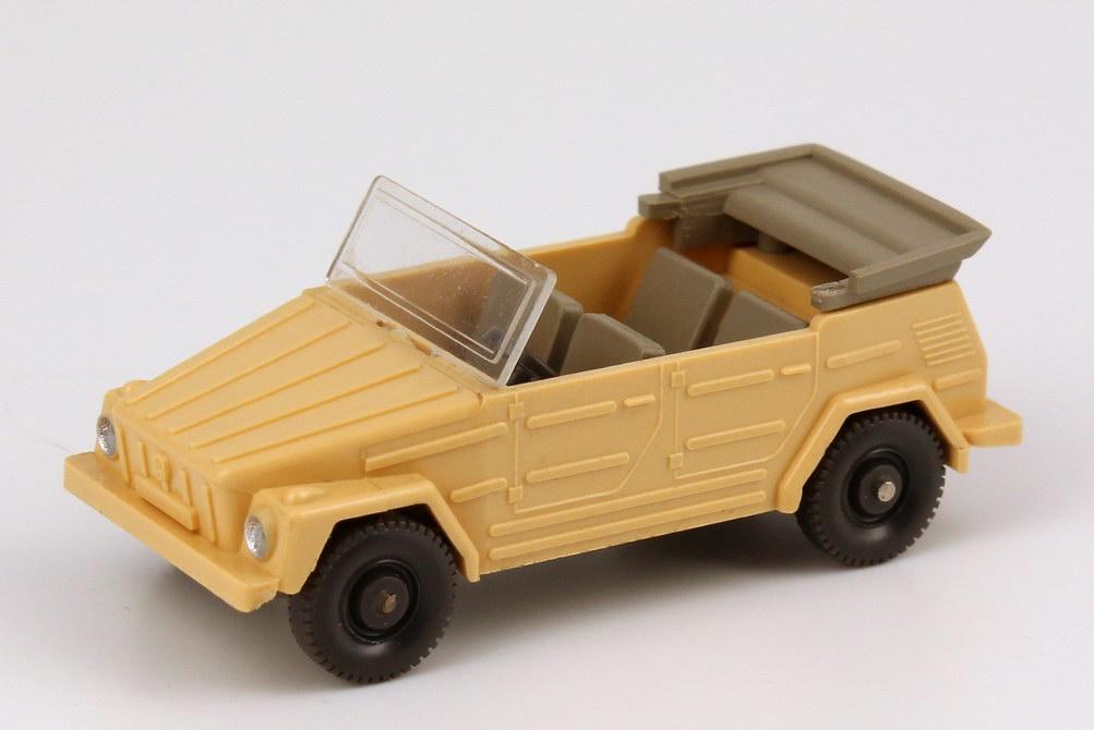 Foto 1:87 VW 181 hell-beige Wiking 040