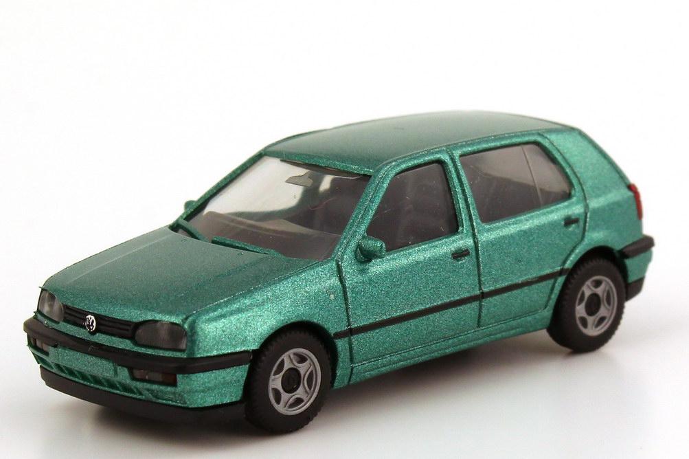 Foto 1:87 VW Golf III GL 4türig montanagrün-met. - herpa 031097