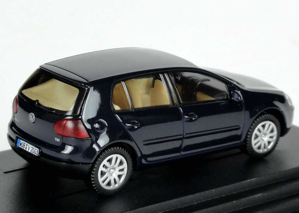 1 87 vw golf v tdi 4t rig perlblau sonderedition 2003. Black Bedroom Furniture Sets. Home Design Ideas