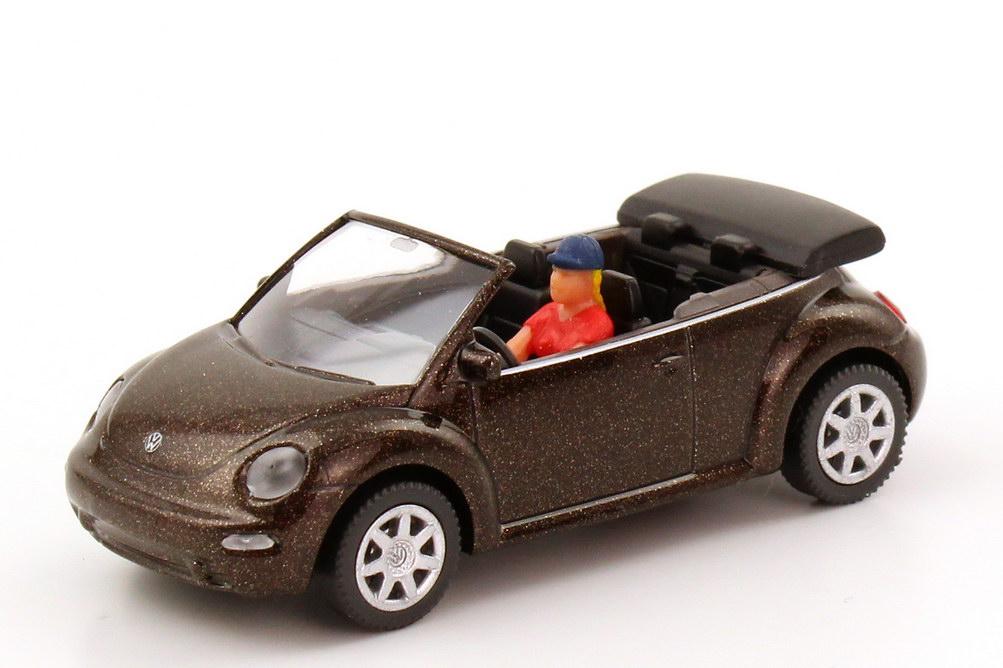 Foto 1:87 VW New Beetle Cabrio braun-met. mit Fahrerin Wiking 03202