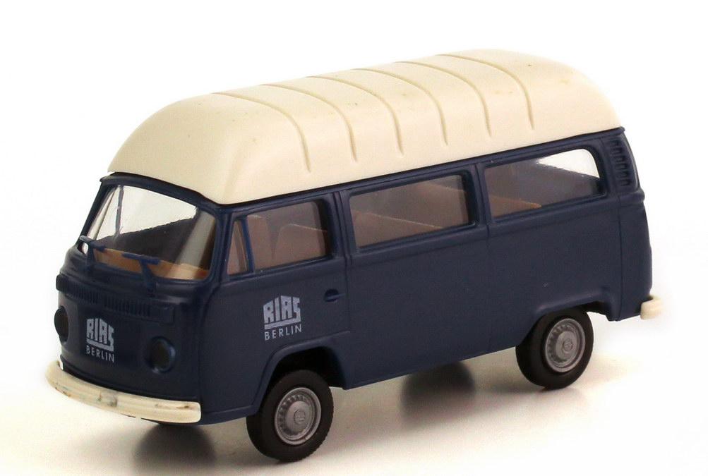 vw t2 t2b bus hochdach rias berlin brekina ausset90330. Black Bedroom Furniture Sets. Home Design Ideas