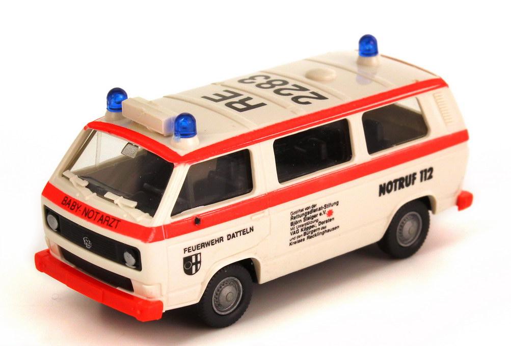 Foto 1:87 VW T3 Bus Feuerwehr Datteln, Baby-Notarzt Roco 1372