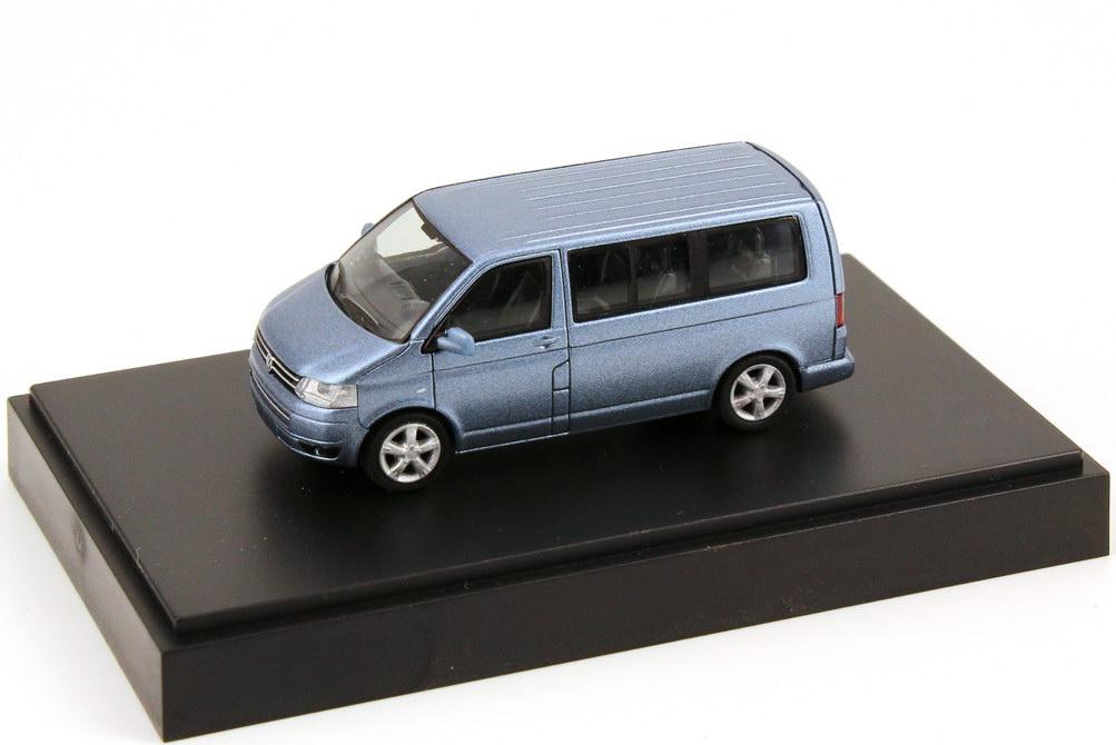Foto 1:87 VW T5 Multivan Facelift BlueMotion glacier-blue-met. - Werbemodell - Rietze 7E5099301AD5M