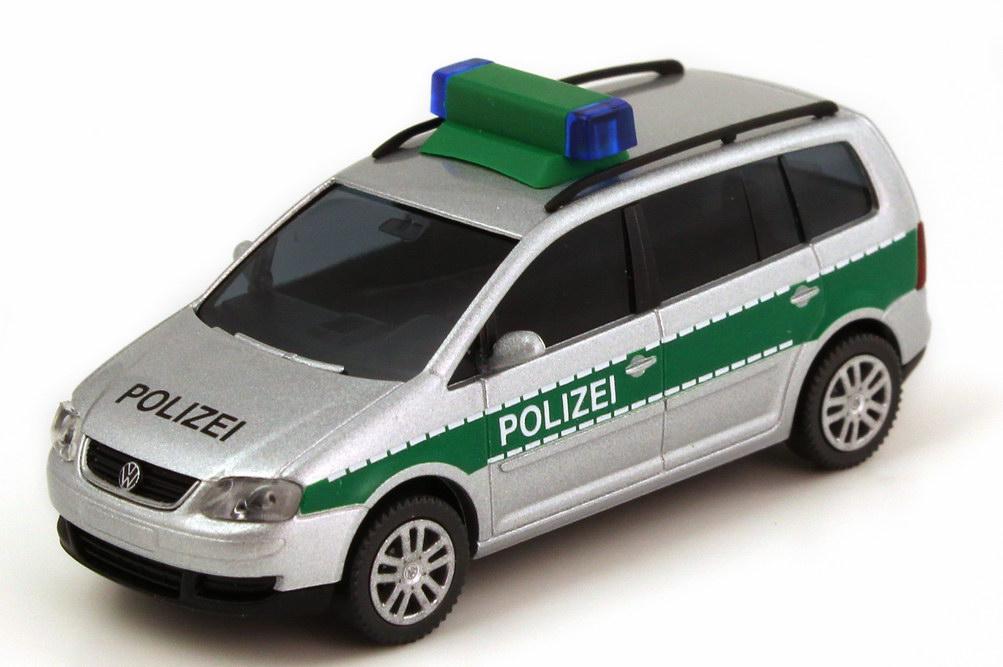 Foto 1:87 VW Touran (Typ 1T) Polizei silber-met./grün Wiking 10428
