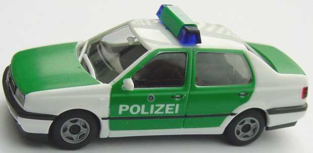Foto 1:87 VW Vento Polizei Sachsen herpa 043090